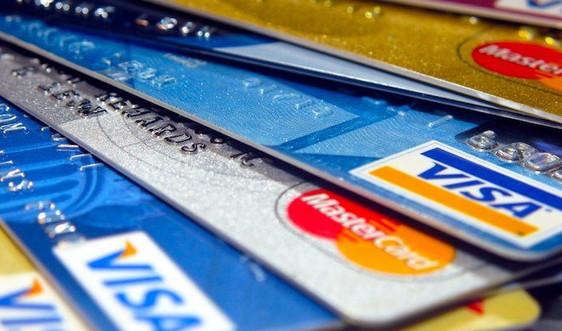 Đề nghị Visa, Mastercard miễn, giảm phí và làm rõ bất cập thu phí