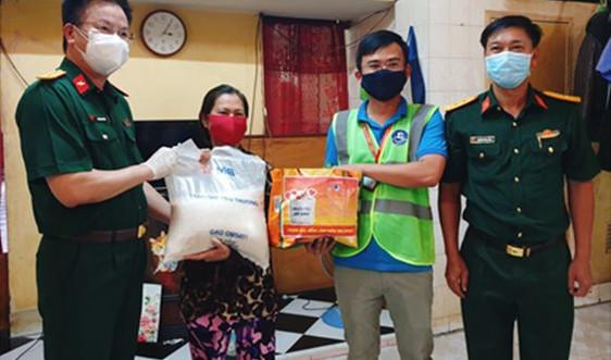MB trao 90 tấn gạo hỗ trợ nhân dân TP. Hồ Chí Minh vượt khó chống dịch