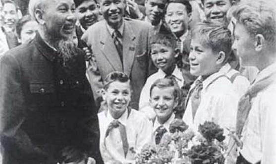 Mong muốn thiếu nhi lớn lên trong hòa bình của Chủ tịch Hồ Chí Minh