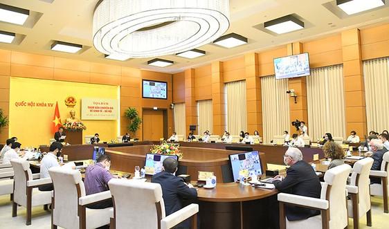 Quốc hội tổ chức tọa đàm tham vấn chuyên gia về kinh tế - xã hội